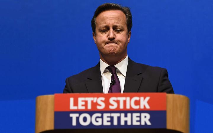 BREXIT-–-BRITANIJA-NA-EU-RASKRSNICI-Stick-together